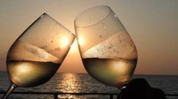 botellas de vino blanco para enamorados del vino