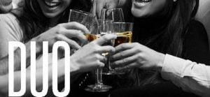 compartir una copa de vino es un momento único y irrepetible