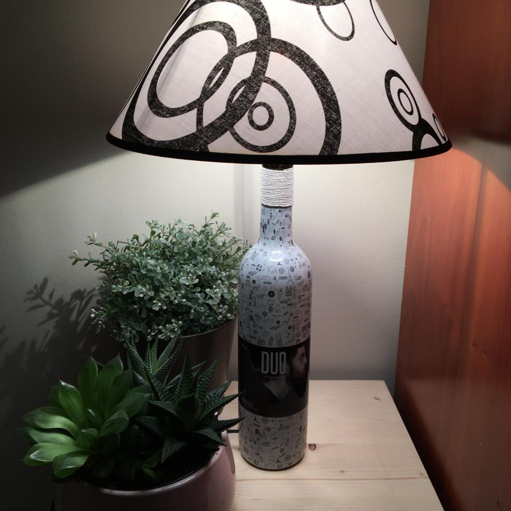 lampara vino juego
